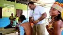 HR093 TABATINGA/AM 28/08/2014 MAIS MÉDICOS UM ANO CIDADES ESPECIAL DOMINICAL - Especial sobre o primeiro ano do Programa Mais Médicos do Governo Federal. A Comunidade Indígena de Belém do Solimões, possui um Polo de atendimento médico e lá trabalha dois médicos cubanos que vieram pelo programa. Na foto o médico Gustavo Vargas em atendimento na Tribo Palmares. FOTO: HÉLVIO ROMERO/ESTADÃO
