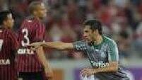Robinho marcou para o Palmeiras, mas acabou expulso no fim e detonou a arbitragem