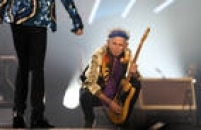 Mick Jagger, Keith Richards, Charlie Watts e Ron Wood voltam a São Paulo depois de 18 anos. A chuva não atrapalhou o show dos Rolling Stones no Estádio do Morumbi, na noite desta quarta-feira, 24.<a href='http://cultura.estadao.com.br/noticias/musica,rolling-stones-voltam-a-sao-paulo-depois-de-18-anos,10000018168' target='_blank'>Veja o relato completo aqui</a>