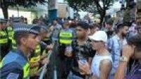 Ruas da Vila Madalena ficaram fechadas para os carros neste domingo de carnaval.<a href='http://sao-paulo.estadao.com.br/noticias/geral,carnaval-na-vila-madalena-vira-grande-rolezinho,10000015428' target='_blank'>Leia mais</a>