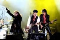 O Hollywood Vampires, banda de Alice Cooper que veio ao Rock in Rio no ano passado, com Johnny Depp e Joe Perry nas guitarras, também fará um tributo. O grupo vai celebrar Lemmy, o vocalista do Motörhead, morto em dezembro de 2015
