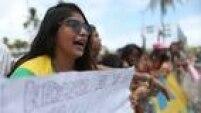 'Neymarzetes com muito orgulho', pernambucanas gritam na porta do hotel da seleção brasileira, no Recife