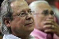Um ano depois de participar ativamente da fundação do Partido dos Trabalhadores, José Dirceu assume o cargo de secretário de Formação Política da legenda, posto que ocupa até 1983. No partido ainda comanda a Secretaria-Geral do Diretório Regional de São Paulo (1983-1987) e a Secretaria-Geral do Diretório Nacional (1987-1993).