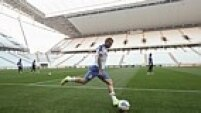 Elenco corintiano volta ao estádio depois de dois meses. Para a partida contra o Figueirense, são esperados 40 mil pessoas nas arquibancadas da Arena Corinthians.