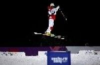 Três irmãs canadenses se destacaram na prova do esqui estilo livre moguls, disputa em que as atletas descem um percurso inclinado, cheio de montes de neve e com duas rampas para que um salto acrobático seja realizado.