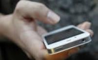 Antes de baixar o aplicativo do banco no smartphone, verifique quem o publicou (a assinatura aparece logo abaixo do nome do programa); fique atento: aplicativos de grandes bancos possuem um grande número de downloads;<a href='http://economia.estadao.com.br/noticias/governanca,contra-fraude--banco-busca-mudanca-de-postura-do-cliente,10000007390' target='_blank'>saiba mais</a>