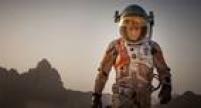 Em mais uma parceria com o diretor Ridley Scott, agora no longa '<a href='http://cultura.estadao.com.br/noticias/cinema,matt-damon-diz-como-foi-viver-sozinho-em-um-planeta--tema-de-perdido-em-marte,1770706' target='_blank'>Perdido em Marte</a>',ator concorre ao<a href='http://estadao.com.br/tudo-sobre/oscar-2016' target='_blank'>Oscar</a>ao interpretarumastronauta que é deixado para trás por sua tripulação e tem de tentar sobreviver sozinho em um planeta distante.