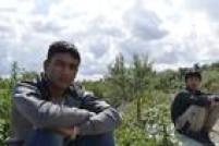 Bahadel Djabahel, de 15 anos, e Kabil Omarhel, de 14, são imigrantes do Afeganistão