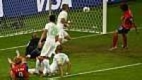 Koo Ja-Cheol ainda marcou mais um para a Coreia, mas a partida terminou 4 a 2 para a Argélia.