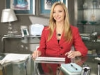 Lisa Kudrow estrelava a quarta temporada de Web Therapyquando o canal Showtime anunciou o seu fim. Criada pelaprópria Lisa, a série começou como um programa de improviso online antes de passar a ser exibido pela emissora.