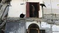 Escombros resultantes do bombardeio israelense em Gaza nesta terça-feira (11).