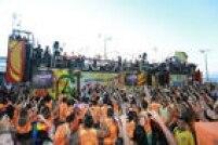 O cantor, que mistura forró, arrocha e axé em suas músicas,arrasta uma multidão de foliões na capital baiana