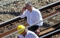 O secretário municipal de Transportes, Carlos Roberto Osório, esteve de manhã na estação São Francisco Xavier. Segundo ele, a frota de ônibus foi reforçada. Osório afirmou que a Supervia terá que restituir o dinheiro das passagens.