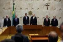 Em seus cumprimentos, ao fazer referência às autoridades presentes na solenidade no STF, Janot ignorou a presença de Cunha. Durante seu discurso, o procurador-geral disse que a atuação ministerial se pautará pela impessoalidade e pelo apartidarismo<a href='http://politica.estadao.com.br/noticias/geral,apos-constrangimento-no-stf--cunha-evita-dar-entrevistas,10000014420' target='_blank'>LEIA MAIS</a>