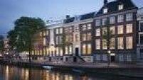 A revista Condé Nast Traveler divulgou o resultado da eleição do prêmio Readers' Choice Awards, que ranqueia os melhores hotéis do mundo. Na décima colocação ficou o Waldorf Astoria Amsterdam, na Holanda, que está em seis casas geminadas dos séculos 17 e 18.