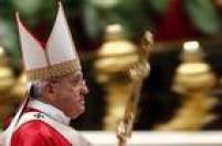 Em carta papal divulgada nesta terça-feira (8), o papa Francisco<a href='http://brasil.estadao.com.br/noticias/geral,papa-simplifica-e-torna-gratuito-procedimento-de-anulacao-de-casamento,1758205' target='_blank'>tornou a anulação do casamento um procedimento mais simples</a>. Agora, basta uma sentença para anular um casamento. Antes, eram necessárias duas sentenças. Outra discussão que tem dividido católicos é a possibilidade de uma pessoa divorciada<a href='http://brasil.estadao.com.br/noticias/geral,papa-pede-que-divorciados-nao-sejam-tratados-como-excomungados,1738540' target='_blank'>poder se casar na igreja novamente</a>. Francisco insiste que esses católicos não são excomungados e devem ser bem-vindos.