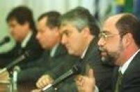 """Delcídio filiou-se ao PSDB em 1998, partido no qual ficou até 2001. Nesse período, fez parte da diretoria de Gás e Energia da Petrobrás durante a crise do """"Apagão"""""""