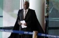 """""""Eu acredito que a nação não aguenta mais este julgamento. Está na hora de acabar, está na hora. Como diriam os ingleses, let""""s move on (vamos em frente)"""" - Em dezembro de 2012, Barbosa cobrou mais rapidez no julgamento da Ação Penal 470, que havia começado três meses antes e até então havia se arrastado por 51 sessões plenárias da Corte."""