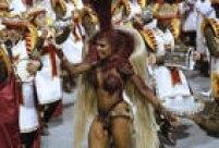 Passista durante desfile da Império de Casa Verde