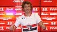 Uma semana após tercontratação anunciada, zagueiro Diego Lugano é apresentado no São Paulo