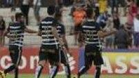 Corintianos comemoram gol de Felipe na fácil vitória sobre o Botafogo fora de casa