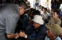 Locais onde antes havia vilarejos estão completamente devastados; presidente do país visita vitimas