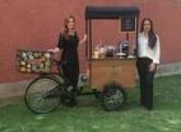 A relações públicas Marina Bandeira Klink criou a bike '1 Café e a Conta' com a sócia Tamara Barbosa.