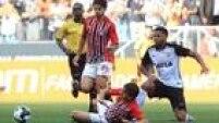 Atacante André fez sua estreia no Corinthians e participou do lance do gol de Lucca na Arena