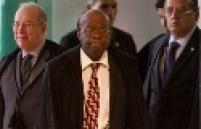 """""""A mentalidade dos juízes brasileiros é mais conservadora, pró status quo, pró impunidade"""" - A declaração de Barbosa foi dada a correspondentes estrangeiros em março de 2013. Ele também falou que a mentalidade dos membros do Ministério Público é """"contra status quo""""."""