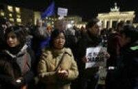 Houve manifestações também em frente ao Portão de Brandenburgo, em Berlim