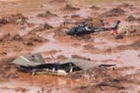 Duas barragens se romperam em Mariana (MG). O distrito de Bento Rodrigues foi invadido pela lama