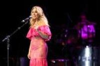 A cantora Rosemary apresentou obras românticas, 'Eu Preciso de Você', 'As Canções que Você Fez Pra Mim' e 'Fera Ferida'
