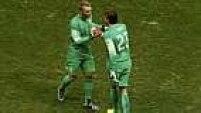 No entanto, a disputa foi para os pênaltis e o técnico holandês Van Gaal ousou ao trocar o goleiro titular Cillessen pelo reserva Tim Krul.