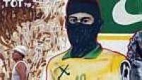 Sobrou até para Neymar, retratado com o mesmo capuz preto utilizado pelos black blocs.