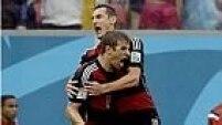 No início do segundo tempo, a Alemanha reproduz a pressão da primeira etapa e marca seu primeiro gol com Muller