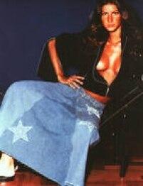 Gisele, aos 19 anos, no catálogo da M. Officer