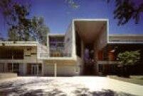Exterior da Faculdade de Matemária da Universidade Católica de Santiago, Chile, desenhada por Alejandro Aravena