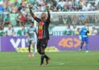 Marcelinho Paraíba, do Joinville, empatou o jogo em menos de dois minutos