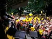 Blocodesfila pelas ruas da Vila Mariana. O destaque é o cantor SidneyMagal.<a href='http://sao-paulo.estadao.com.br/noticias/geral,com-japones-da-federal--bloco-do-bastardo-leva-folioes-em-pinheiros,1830035' target='_blank'>Leia mais</a>