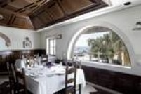 Depois de passear pela França, Cunha foi a Portugal, onde gastou US$ 1.469,49 no restaurante Os Arcos, em Paço D'Arcos.