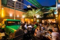 Evitar ocasiões sociais como festas, encontros com amigos em restaurantes.