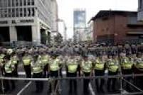 Antes da posse dos novos deputados, a polícia venezuelana - por ordem do presidente Nicolás Maduro - reforçou a segurança e fechou algumas das ruas no entorno da Assembleia Nacional