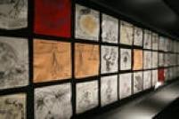 Montagem da exposição O Mundo de Tim Burton, que leva a arte do cineasta norte-americano ao Museu de Imagem e Som, entre os dias 4 de fevereiro a 15 de maio.