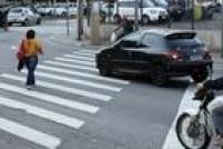 Parar em cima da faixa de pedestre foi oitava infração mais cometida. Foram aplicadas 30.286 multas no primeiro semestre.