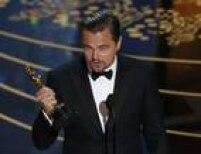 Até que enfim! Leonardo DiCaprio conseguiu seu Oscar, pela atuação bastante física e desgastante em O Regresso. Era a sua quinta indicação e as derrotas constantes haviam se tornado motivo de piada.