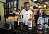 Famosa bebida cubana, o mojito ganha destaque no Museu do Rum em Havana