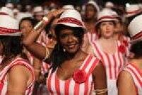 O bloco, composto apenas por mulheres,dissemina a cultura afro-brasileira e africana por meio de percussão, dança e cantos em Yorubá