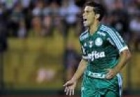 Jean marcou o primeiro gol do Palmeiras no empate contra o River-URU por 2 a 2 na estria do Alviverde na Copa Libertadores 2016
