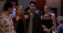 Vegas, baby! Joey vai para Las Vegas gravar um filme independente, mas tudo acaba dando errado e ele arruma um emprego temporário num hotel. O pessoal resolve ir visitá-lo e descobre tudo o que aconteceu. Chandler e Monica começam a perceber 'sinais' de que devem se casar.
