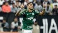 Com gols de RafaelMarques (foto) e Zé Roberto ainda no primeiro tempo, o Palmeiras conseguiu uma trégua com a torcida ao fazer 2 a 0 no Corinthians, em pleno Itaquerão